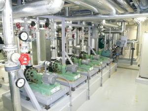 1階機械室各種ポンプ設置及び配管施工完了2
