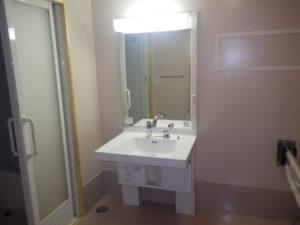 室内身障者用洗面化粧台設置完了