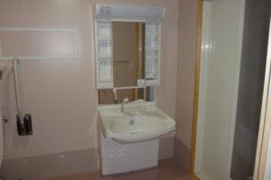 室内障害者用洗面化粧台設置完了