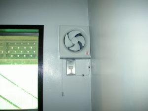 室内換気扇設置完了